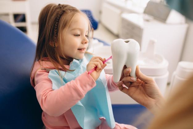 dentistry little girl 1303 8430